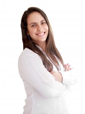 Dra. Karina Ariane Gaio