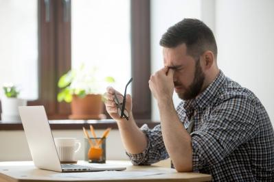 Automedicação ocular: saiba porque esta prática pode prejudicar