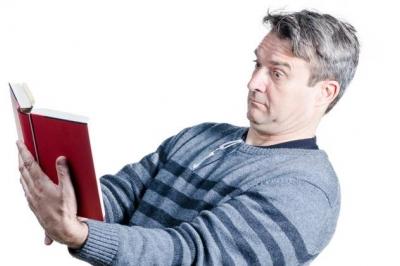 Presbiopia, ou vista cansada, a dificuldade em ler de perto