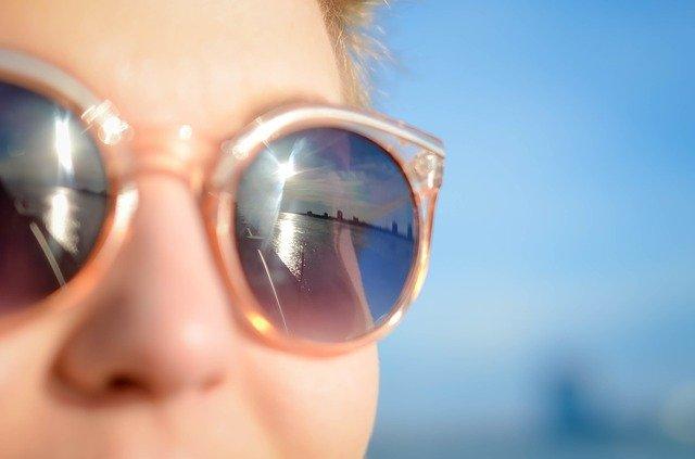 Dicas: como proteger seus olhos nesse verão! - Centro Especializado da  Visão - Hospital de Olhos